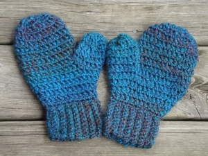 Blueish Green Mittens